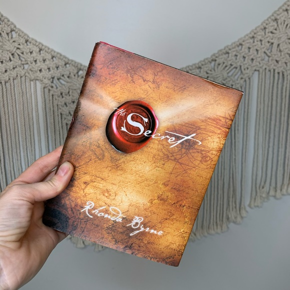 FREE W/ PURCHASE OF 20$+ The Secret Hardcover Book
